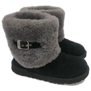 UGG Women Classic Sheepskin Black Ellee Short Boot